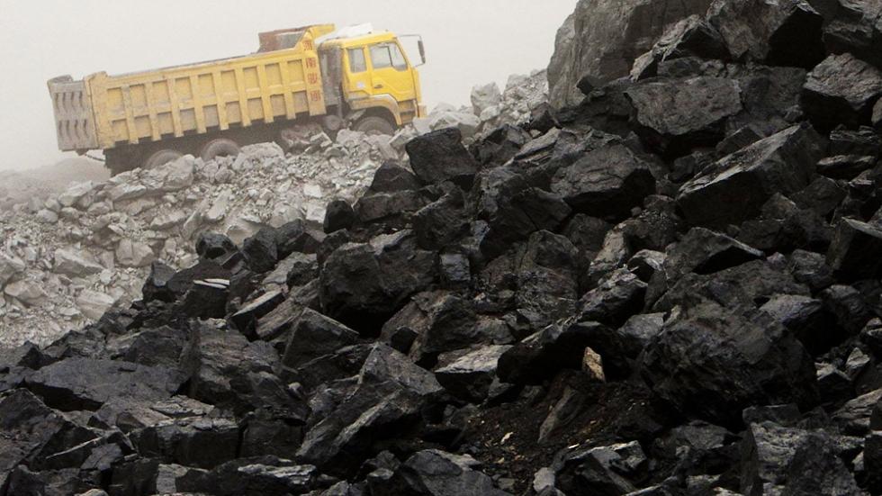 رقابت بین سنگآهن و زغالسنگ
